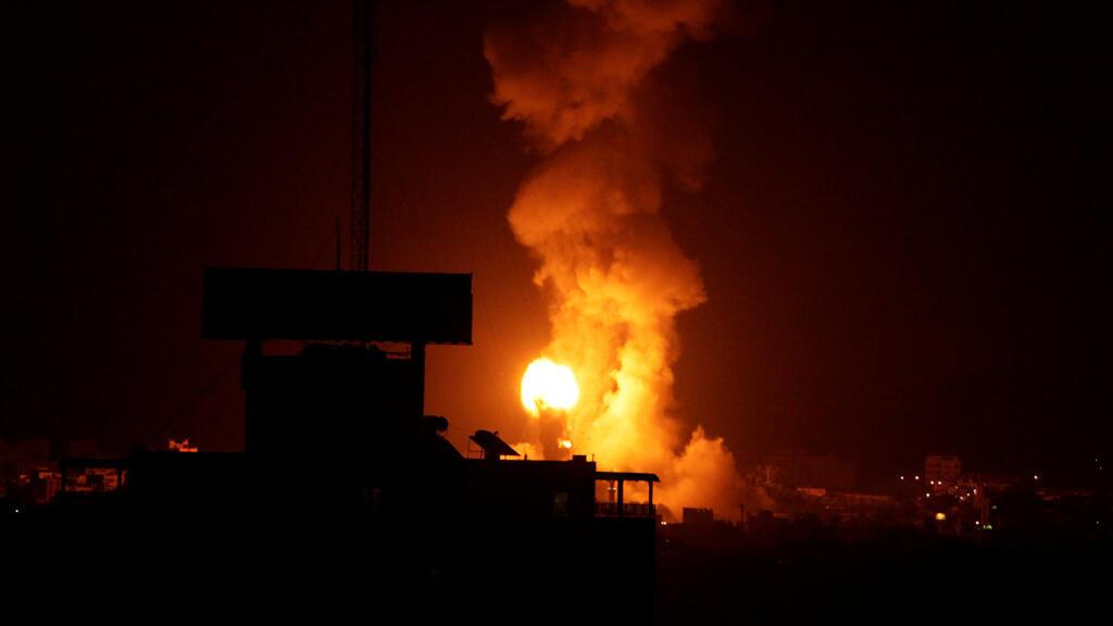 آثار الغارات والقصف الإسرائيلي على غزة