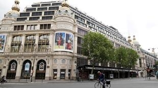 coronavirus_france_printemps_magasin_paris