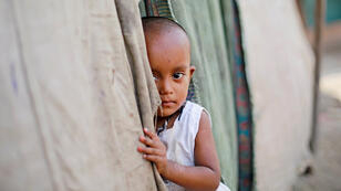 طفلة من الروهينغا في مخيم للاجيئين