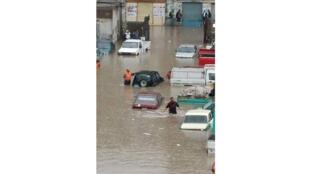 محافظة البحيرة تغرق في المياه والسيول 04-11-2015