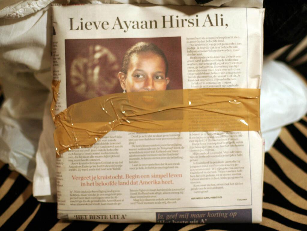 """في الصحافة الهولندية: """"العزيزة آيان هرسي علي"""""""