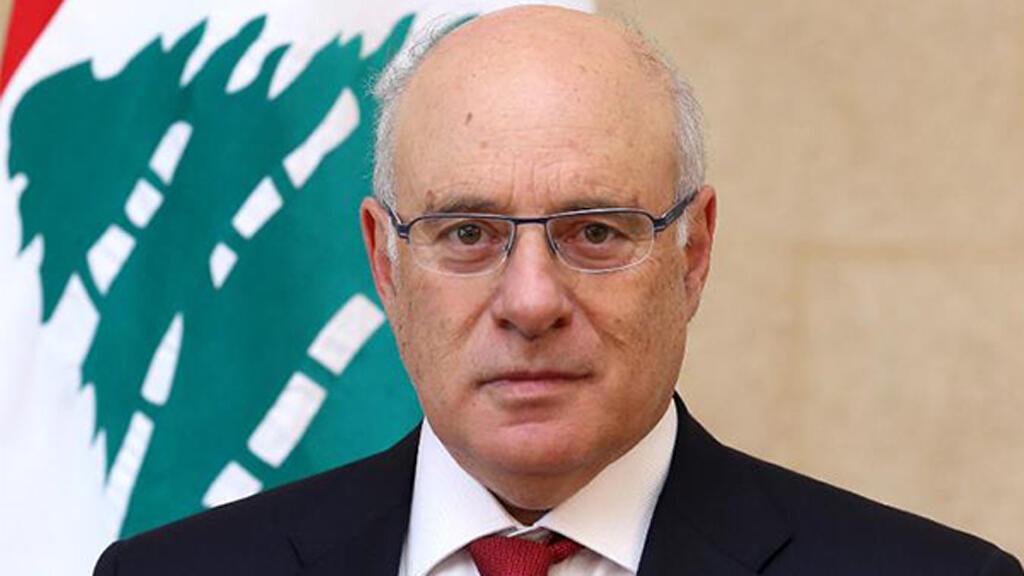 وزير العمل كميل أبو سليمان