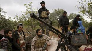 مقاتلون تابعون لفصائل المعارضة السورية