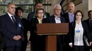 عضو اللجنة العليا للمفاوضات حول سوريا بسمة القضماني تلقي خطابا في جنيف 24-03-2016