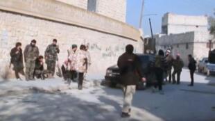 """عناصر من مسلحي تنظيم """"الدولة الإسلامية"""" في سوريا"""