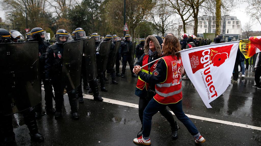 مظاهرات النقابات العمالية الفرنسية